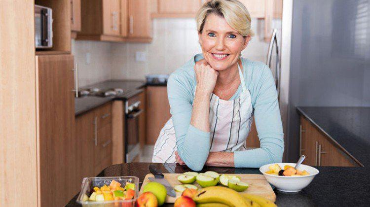 Menopoz Dönemi ve Beslenme